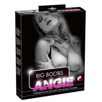 Angie guminő hatalmas mellekkel