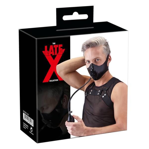 LATEX - pumpás arcmaszk péniszes szájpecekkel (fekete)